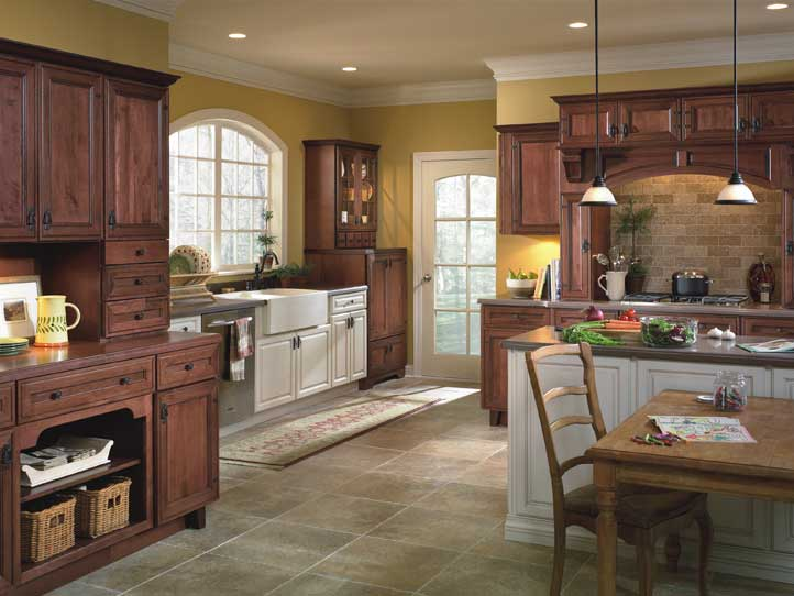 Kitchen: Country Charm